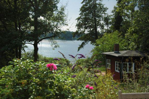 Schwedenhaus am see  Ferienhaus direkt am See | Wasser, Sonne, Ruhe und ganz viel Platz ...