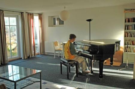 Musikzimmer mit Yamaha Flügel