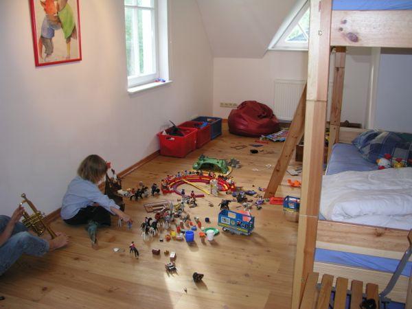 Playmobil zimmer ferienhaus direkt am see for Playmobil haus schlafzimmer
